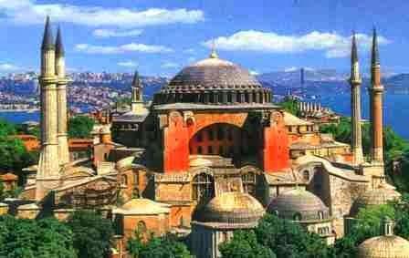 Η Κωνσταντινούπολη ανάμεσα στο παρελθόν και στο μέλλον
