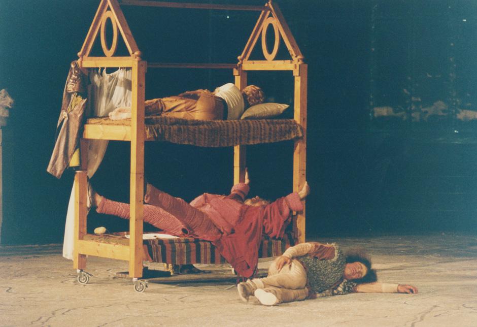 """Για τις """"Νεφέλες"""" του Αριστοφάνη: (5) Ερωτήσεις κατανόησης και εμβάθυνσης"""