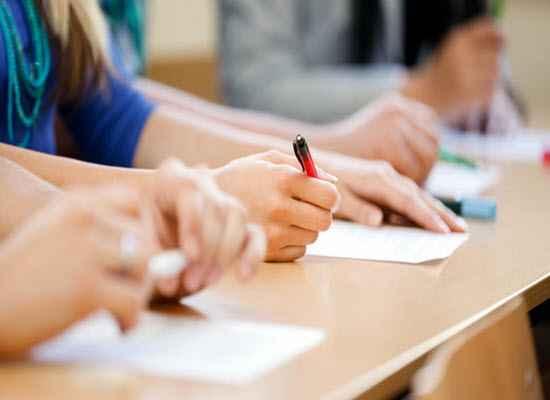 Επαναληπτικές πανελλαδικές εξετάσεις για όσους αντιμετωπίσουν σοβαρό πρόβλημα υγείας.
